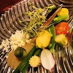 Les Ambassadeurs - オリーブオイルパウダーと旬の生野菜