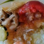 中国料理 桃仙 - フルーツトマトの中からフカヒレ