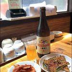 韓国村 - ビール中瓶、おかず2品