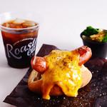 Roasted COFFEE LABORATORY - ランチセット チーズドッグ