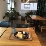 ターミナルカフェ - フレンチトーストとコーヒーのセット