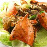 翠鳳 - 【渡り蟹の黒豆ソースあえ】\2500(外税),渡り蟹を贅沢に2杯使った1品。黒豆ソースが食欲をそそります。