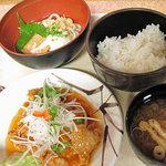 カフェレスト三の丸 - 料理写真:糖麺肉とうどんころ定食