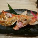 鮨 八代 - 金目鯛 片身 1900円