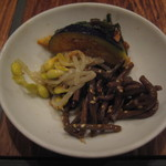 Kankokuanjupontochourinanha - 2011.7 黒毛和牛ハラミチョンゴル韓定食:季節のナムル