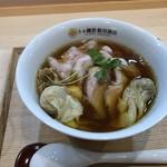 87271004 - わんたん入り醤油チャーシュー麺