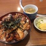 87274143 - 焼鳥丼、スープは単品で追加