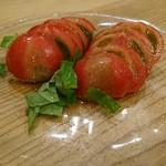 はらぺ子 - フルーツトマトとバジル(*^^*)