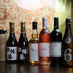 酉こう - ドリンク写真:各種お酒を取りそろえております。