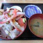 食事処よかった - 海鮮丼(大盛り) 780円+100円