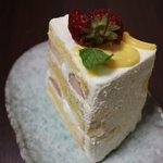 ラ・ファミーユ - 本日のケーキ