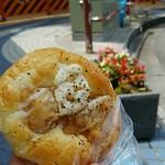 ニーゴー カフェ - 鶏から&れんこんパン