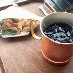 デリフランス - アイスコーヒーとチキン竜田
