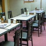 四國うどん - 2階の奥座敷にテーブル席ができました。