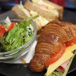 DONQ - 料理写真:サンドランチ(クロワッサン)