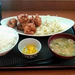 デイリーヤマザキ - 料理写真:から揚げ定食ご飯大盛(無料)750円