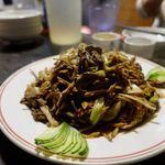 87307096 - 葱爆台蘑黄花菜(五台山きのこと乾燥黄百合の葱炒め)