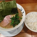 横浜家系 麺屋はやぶさ -