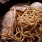 87308695 - 三河屋製麺の中太麺