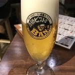 87309655 - 乾杯のビールです