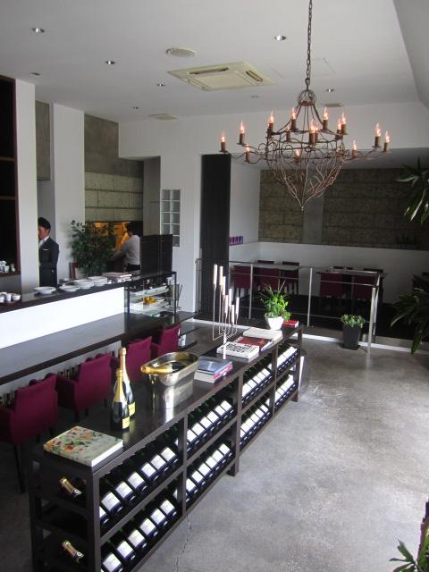 HACHINOJO food・wine - エントランス(店内)