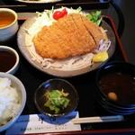 レストラン 牛石 - トンカツ定食