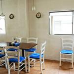 ピッツェリア グランデ - 2階。子供連れOKの座卓がある小上がりもあります。