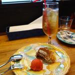 ピッツェリア グランデ - +150円のデザート。ティラミスとあまおうのシャーベット。