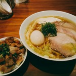 MOJA★MOJA - 料理写真:煮干しらぁめん(750円)を+300円で謂わば特製に。ブタめしは150円。