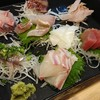 魚と飯や龍 - 料理写真:刺し盛り。器が大きくて写真に入らない。