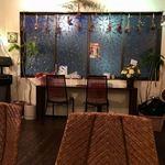 カレー喫茶 エルディオス - 店内(壁向きカウンター)