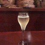 ビストロ オレイユ - ドリンク写真:スパークリングで乾杯