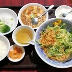 87324225 - 麺セット(冷しゴマダレ野菜のせ麺)980円