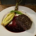 ITALIAN STAND GIGLIO - 蝦夷鹿の内もも肉ロースト赤ワイン粒マスタードソース(ハーフ)1,400円