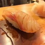 吉乃寿司 - あら 醤油