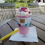 ゴディバ - ドリンク写真:ショコリキサー ホワイトチョコレート ストロベリー&バイオレットチップ