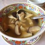 龍鳳 - 鶏酒湯(キノコと鶏の清酒入りスープ)