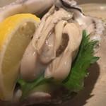 たべごとや 艸 - 刺し盛りの牡蠣