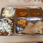 カフェと印度家庭料理 レカ - 2種のカレーとビリヤニランチ