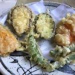 お多福うどん - 野菜の天ぷらがこれ