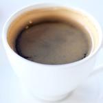 87340659 - ケーキセット 1210円 のコーヒー