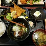 どまん中 - アジフライ+豚のトロトロ角煮