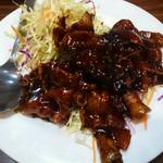 美味館 - 料理写真:コマ肉炒め