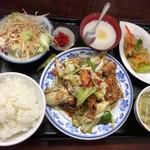 中国家庭料理 豊澤園 - 回鍋肉定食「734円」 消費税込みで680円だったら良かったのに( ̄▽ ̄)
