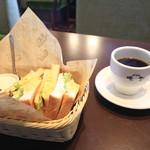 珈琲家暖香 - 料理写真:サンドイッチセット