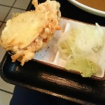 そば処津知屋 - 注文はもりそばですが、天ぷらがつきます この日はさつまいもとかぼちゃ