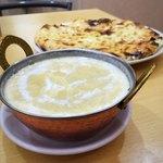 スーリヤチャンドラ - チーズナンランチ。カレーはキーマ。