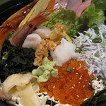 たこ島 - 海鮮丼