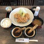 87361123 - 山形豚 特選 かつ盛り合わせ定食                       ¥2894(税込)