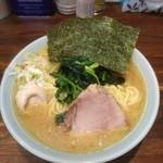 横浜家系 侍 - 料理写真:塩ラーメン+麺増し+味玉+のり